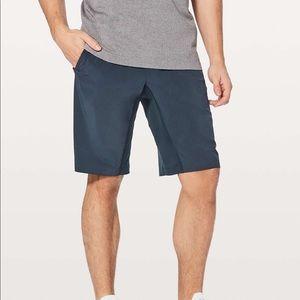 Lululemon T.H.E. Shorts Linerless Size Large